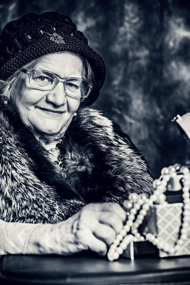 83-летняя бабушка написала письмо своей подруге, иего нужно прочитать как можно раньше