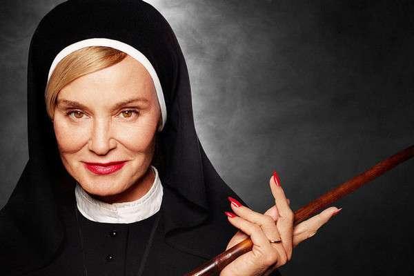 -Эй, а ты из какого монастыря?!- или тройка самых крутых и оторванных монашек в истории