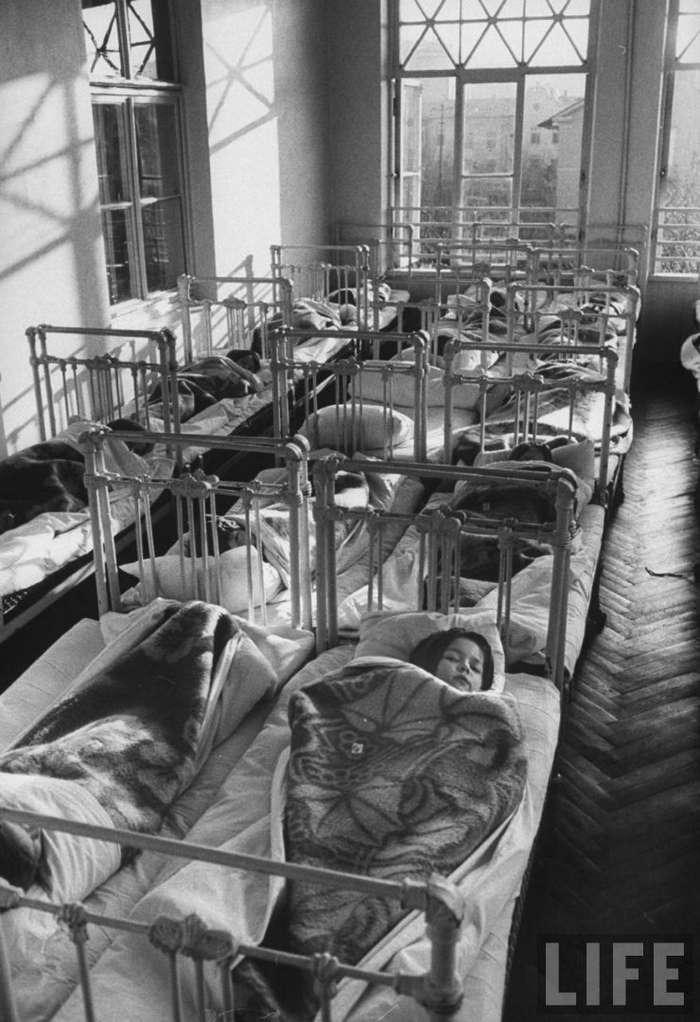 Советский детский сад 1960 года на страницах Life