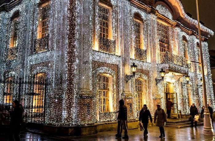Рождественские елки и праздничные огни по всему миру