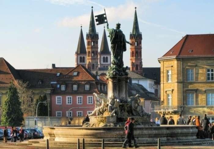 Нёрдлинген &8211; немецкий город, построенный в кратере метеорита