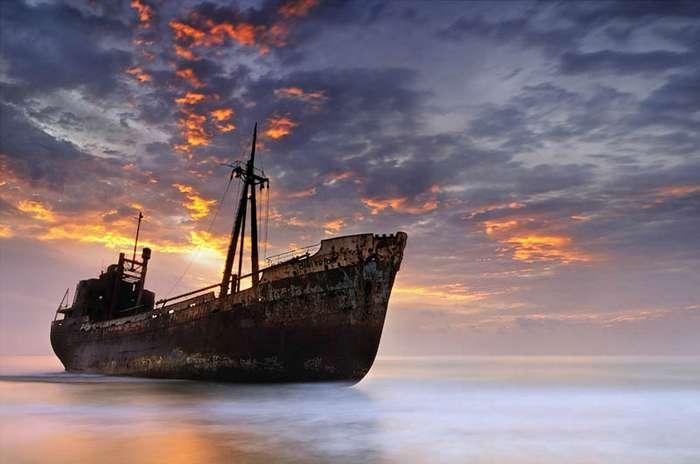 желаете фильмы про заброшенные морские корабли как