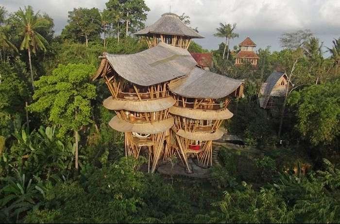 Американка, бросив всё, уехала на Бали и построила там дом мечты из бамбука