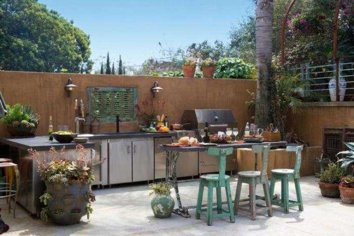 20 летних кухонь для тех, кто не мыслит себя без сочного куска мяса и овощей на гриле