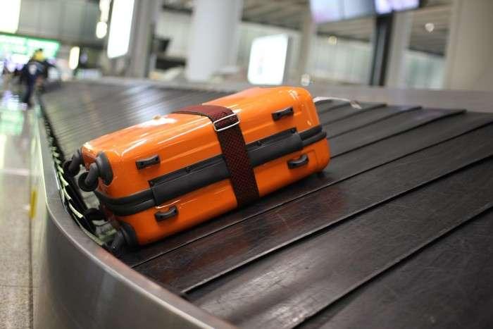 Лайфхак для путешественников, или Как получить свой багаж в аэропорту раньше всех