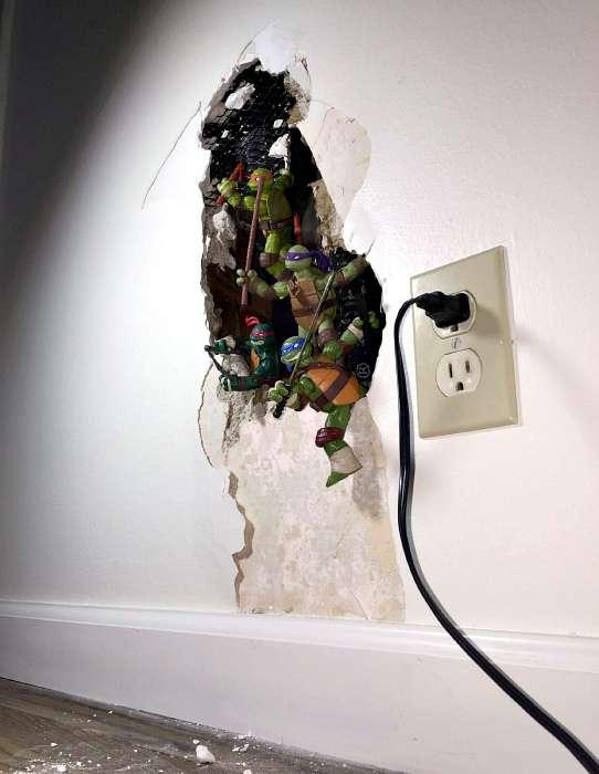 Практичные идеи, которые быстро и идеально скроют дефекты подпорченных вещей (18 фото)