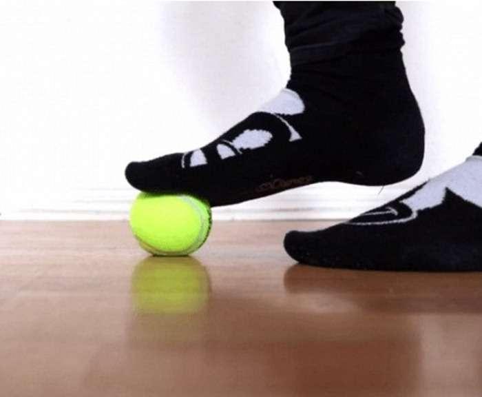 7 простых упражнений с теннисным мячиком от ломоты в теле и для тех, кто сидит за компьютером
