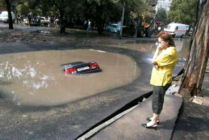 Забавные приключения дам на дорогах, которые кому-то выходят боком (17 фото)