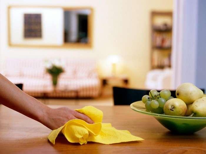 Бюджетное средство из аптечки, которое не даст пыли оседать на мебели