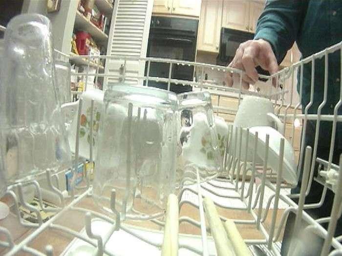 Как избавиться от белого налёта на посуде и вернуть ей блеск