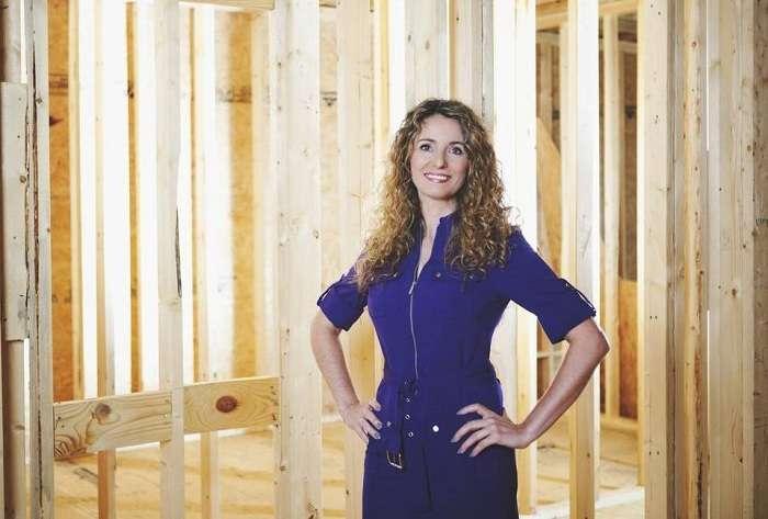 Мать-одиночка самостоятельно построила дом по обучающим урокам из интернета