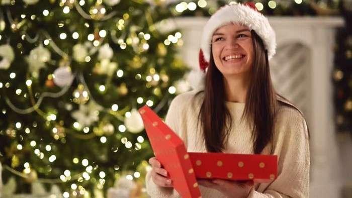 Как выбрать подарок, который точно порадует каждого (5 подсказок от шопперов)