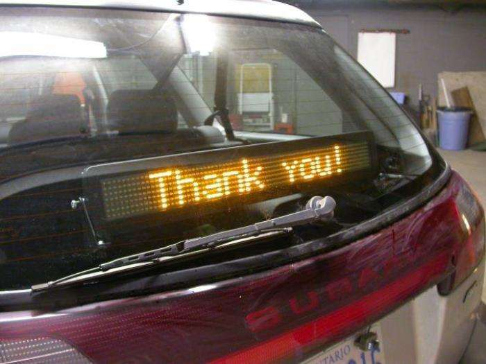 7 практичных, но немного забавных автомобильных аксессуаров, заказанных по интернету