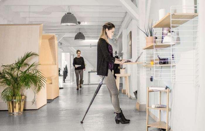 Складной стул весом всего 0,5 кг, который позволит -сидеть- стоя в любом месте