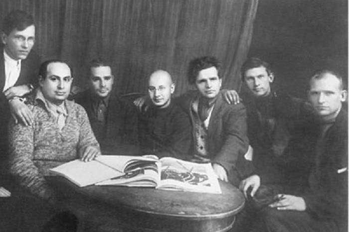 Трагичная и поучительная судьба поэта Владимира Киршона, расстрелянного в 1938 году (5 фото)