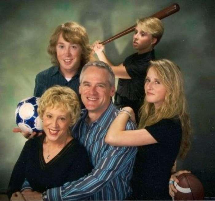 Забавные и нелепые семейные фотографии (23 фото)
