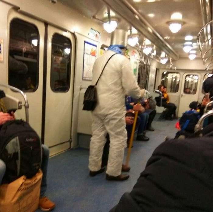Модные граждане из российского метрополитена (32 фото)