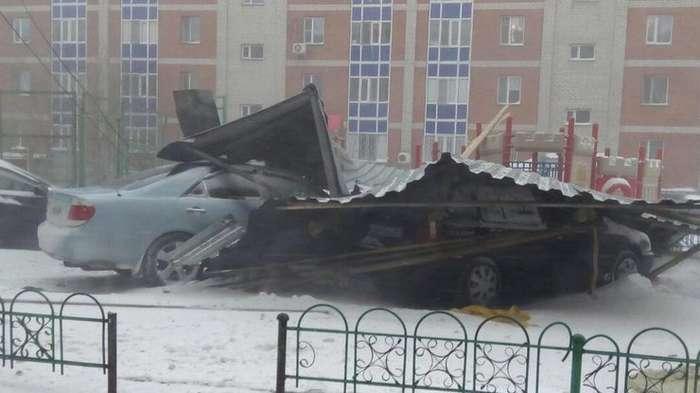 Небывалый ураган в столице Казахстана Астане (5 фото и 4 видео)
