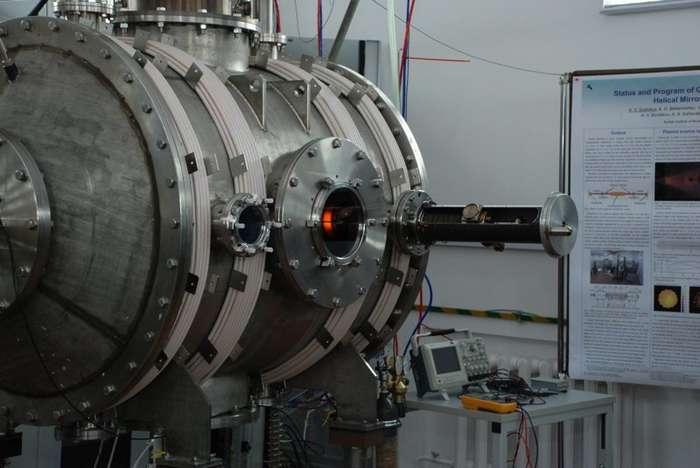 В ИЯФ СО РАН запущена новая плазменная установка СМОЛА-1 фото-