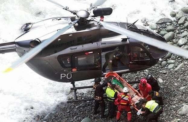 -Поворот дьявола- на горной дороге в Перу унес несколько десятков жизней-8 фото + 1 видео-