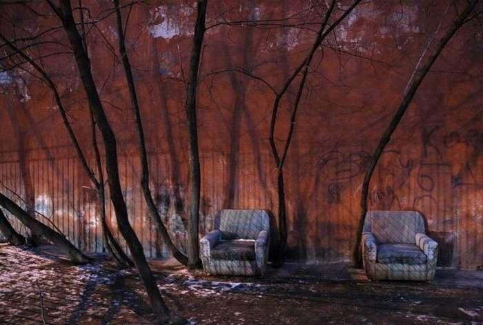 Красиво жить не запретишь: мебель, ковры и другие предметы роскоши в российских дворах-28 фото-