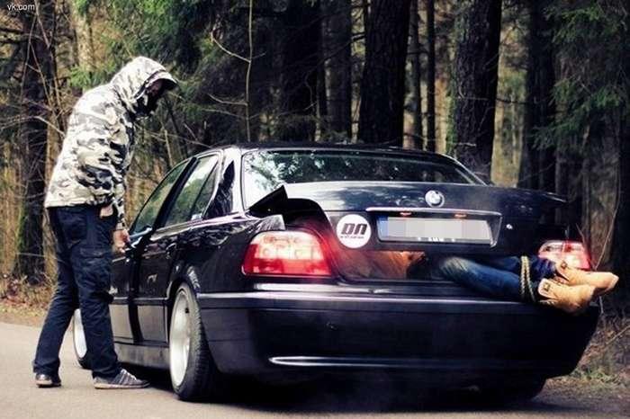 Вот почему у таксиста всегда идеальный порядок в багажнике-1 фото-