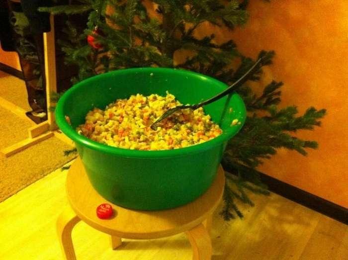 Ёлка, оливье и -Советское шампанское-. Откуда пришли главные символы Нового года-8 фото-