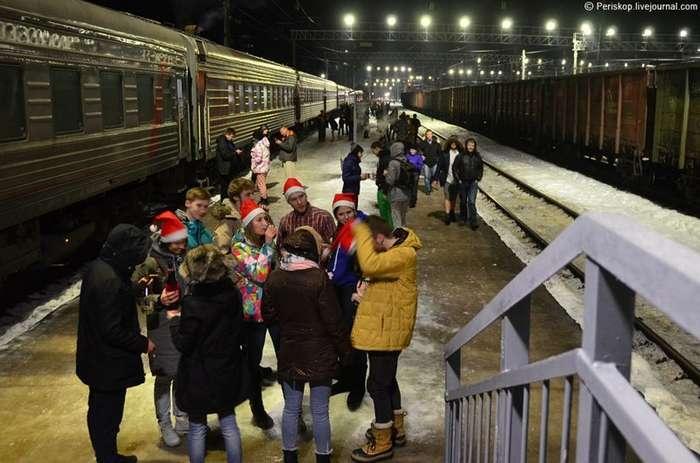 Новый Год в поезде N22: ломка шаблонов и мандаринный вагон-25 фото + 1 видео-