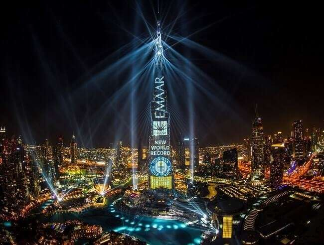 Грандиозное световое шоу Light Up 2018 в Дубае
