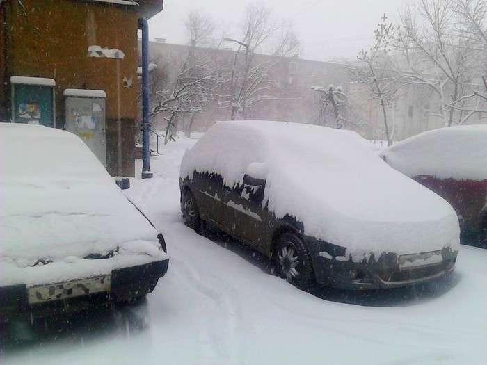 Как растопить снег и избавиться от ледяной корочки