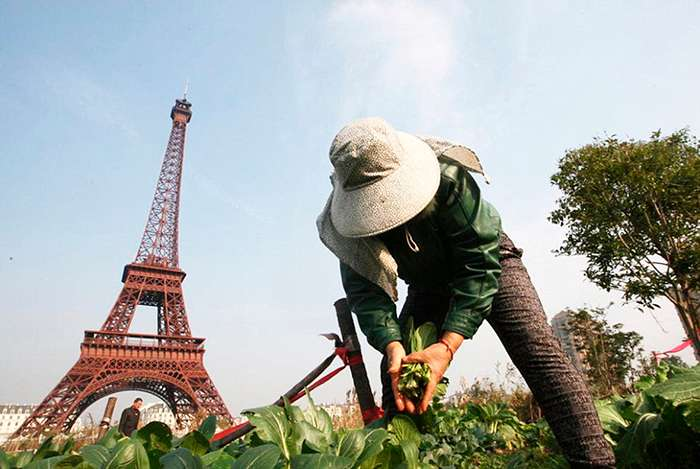 В Китае могут подделать все, даже Париж