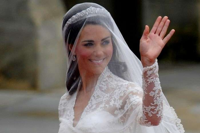 Тайное послание на свадебном платье Кейт Миддлтон, которое все упустили из виду