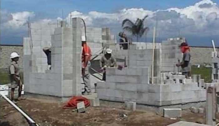 Дом стоимостью всего 2500 дол., на строительство которого ушло меньше суток