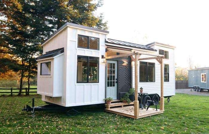 Крошечный дом на колесах, который на самом деле очень просторный внутри