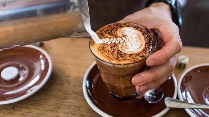Неожиданный ингредиент для утреннего кофе, который поможет не набрать за зиму лишнего