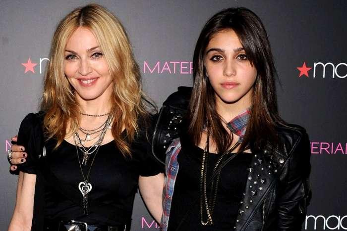 Естественная оброслость дочери Мадонны Лурдес