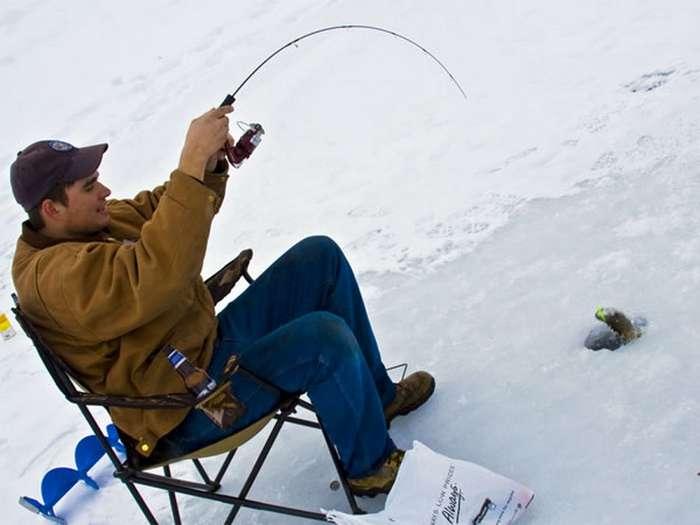 Лучшая зимняя рыбалка, или Где в России можно поймать 50 кг сома