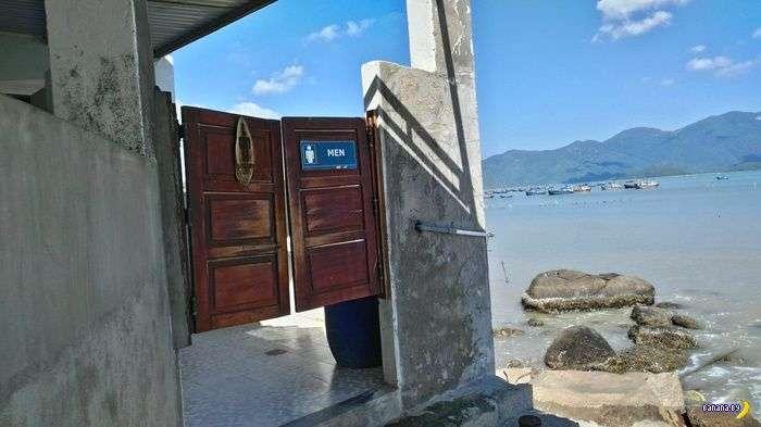 Вьетнамский туалет с видом