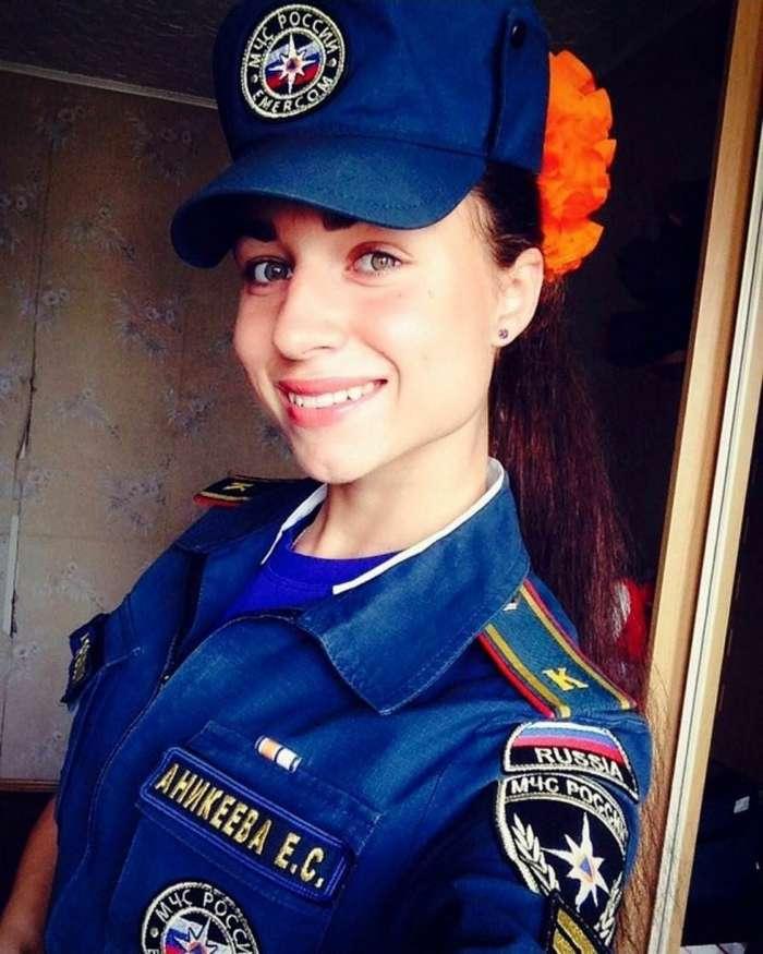Обворожительные девушки из МЧС РФ (34 фото)