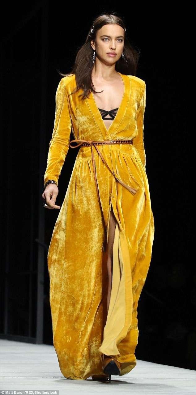 Русская красавица Ирина Шейк на показе мод в Нью-Йорке