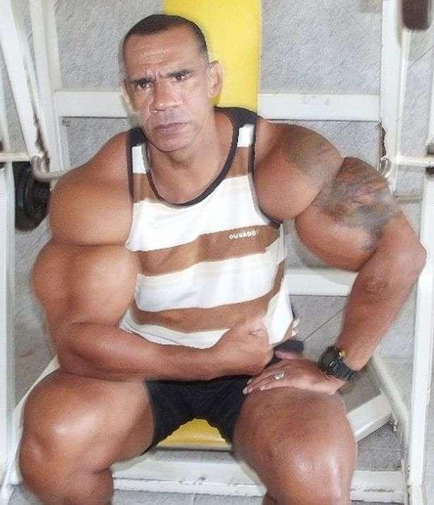 Братья - поклонники Арнодльда Шварценеггера злоупотребляют стероидами