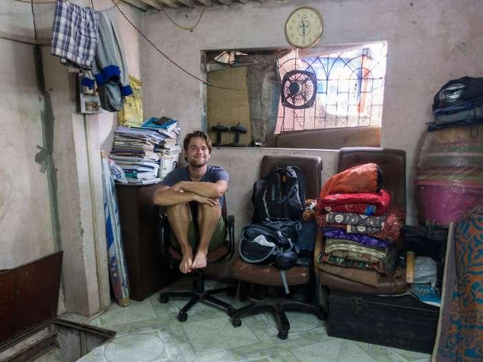 Мужчина, выживший после страшной аварии, отправился путешествовать по свету