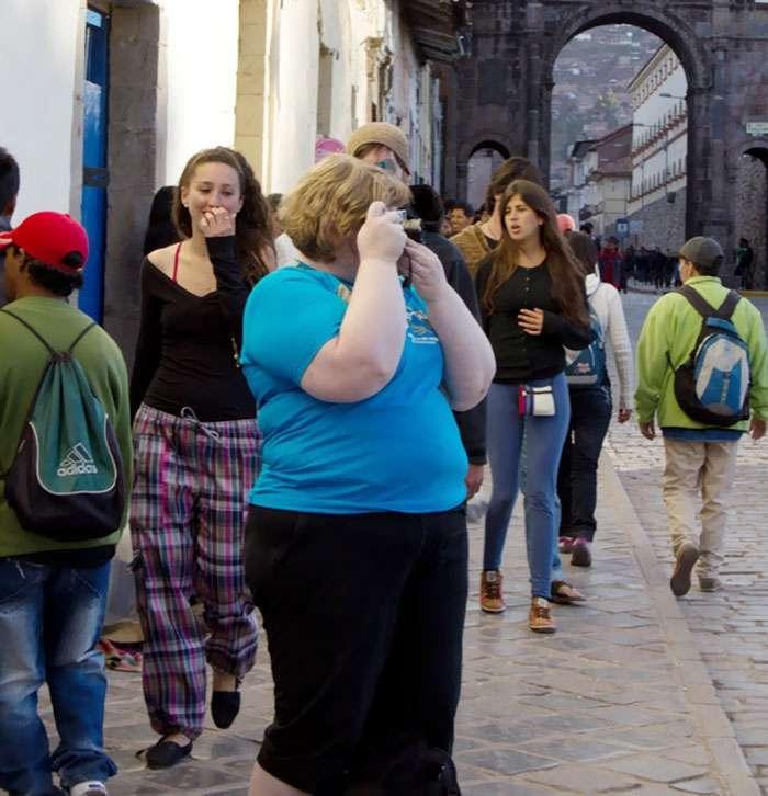 Как окружающие реагируют на людей с лишним весом