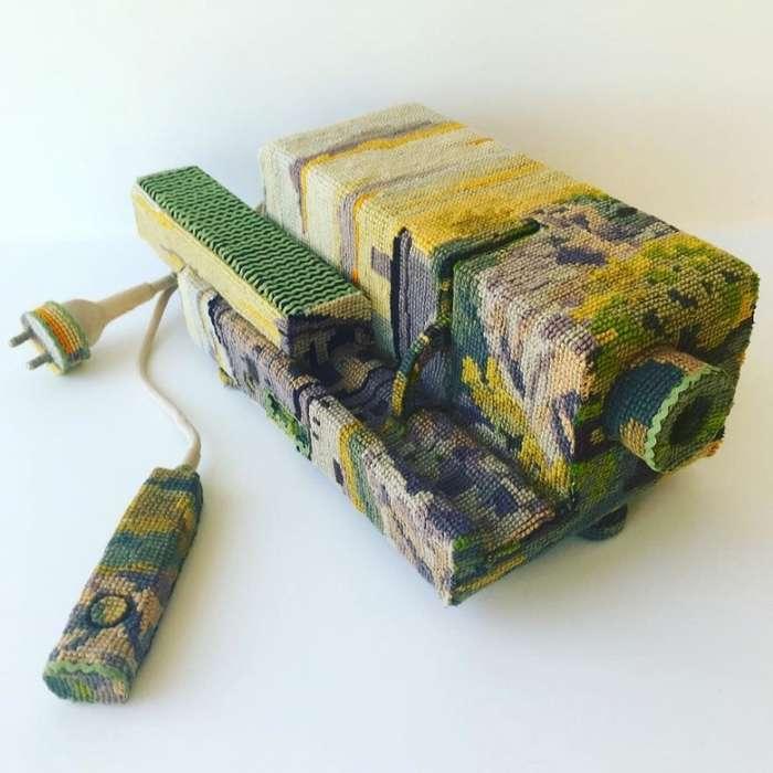 Искусство вышивания крестиком или Вторая жизнь старых вещей
