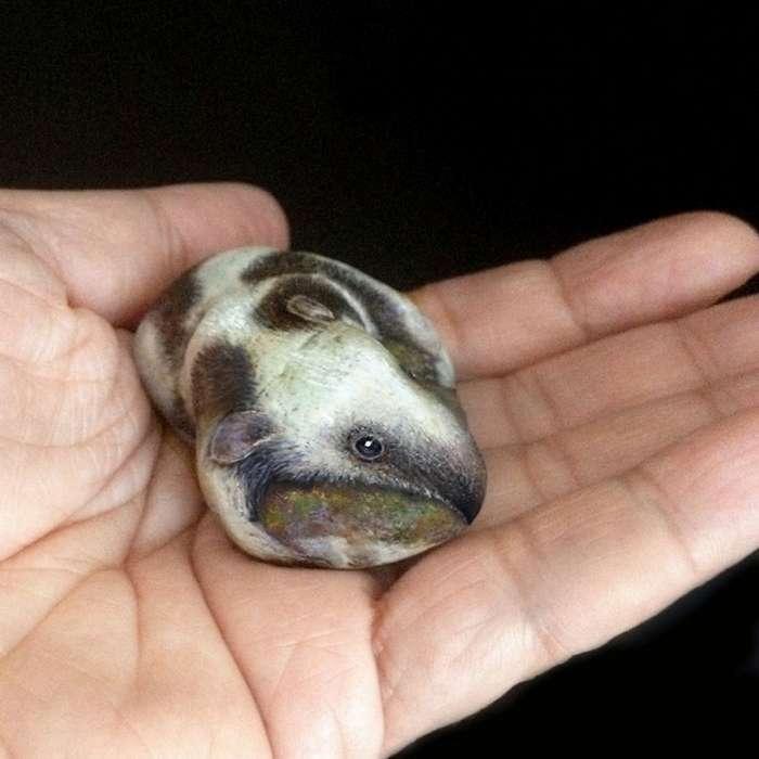 Необычное искусство: 3Д- миниатюры животных на камнях