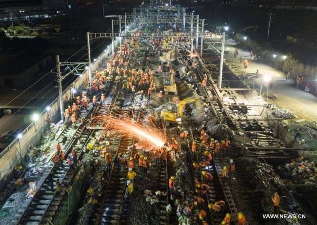 Пока весь мир спал, вКитае заночь построили железную дорогу