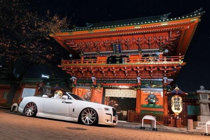 Нескромный Rolls-Royce Dawn из Японии с обвесом от ателье Wald (13 фото)
