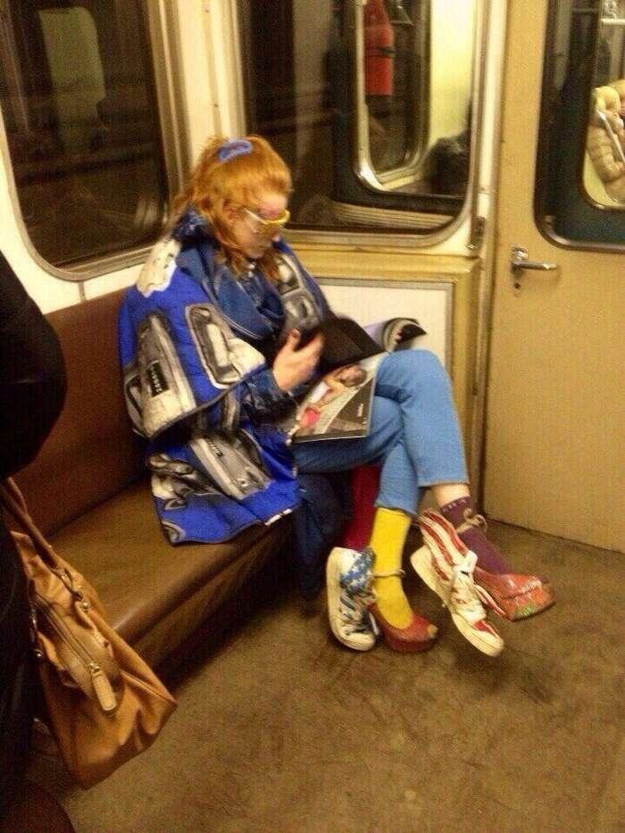 Мода российского метро: фрики из подземки. Возможно, ваши фото уже внутри!-29 фото + 1 гиф-