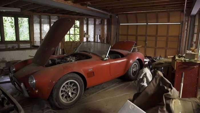 Классические автомобили на сумму 4 миллиона долларов с старом гараже-4 фото + 1 видео-