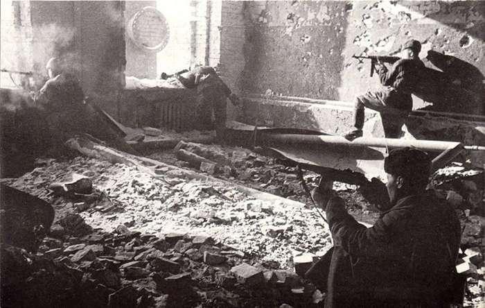 Самая кровавая битва всех времён и народов-45 фото-